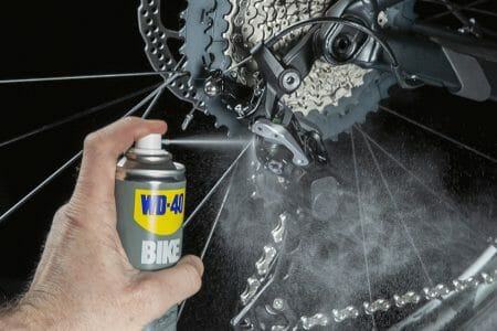 UK_WD40_BIKE_All_Conditions_Lube_250ml_Usage_2