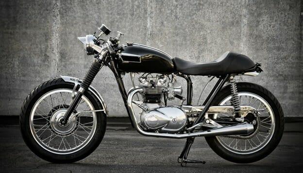 skinnende blank motorsykkel