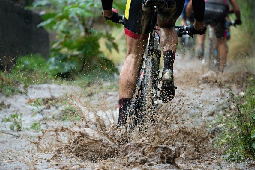 sykkelkjedet fullt av gjørme