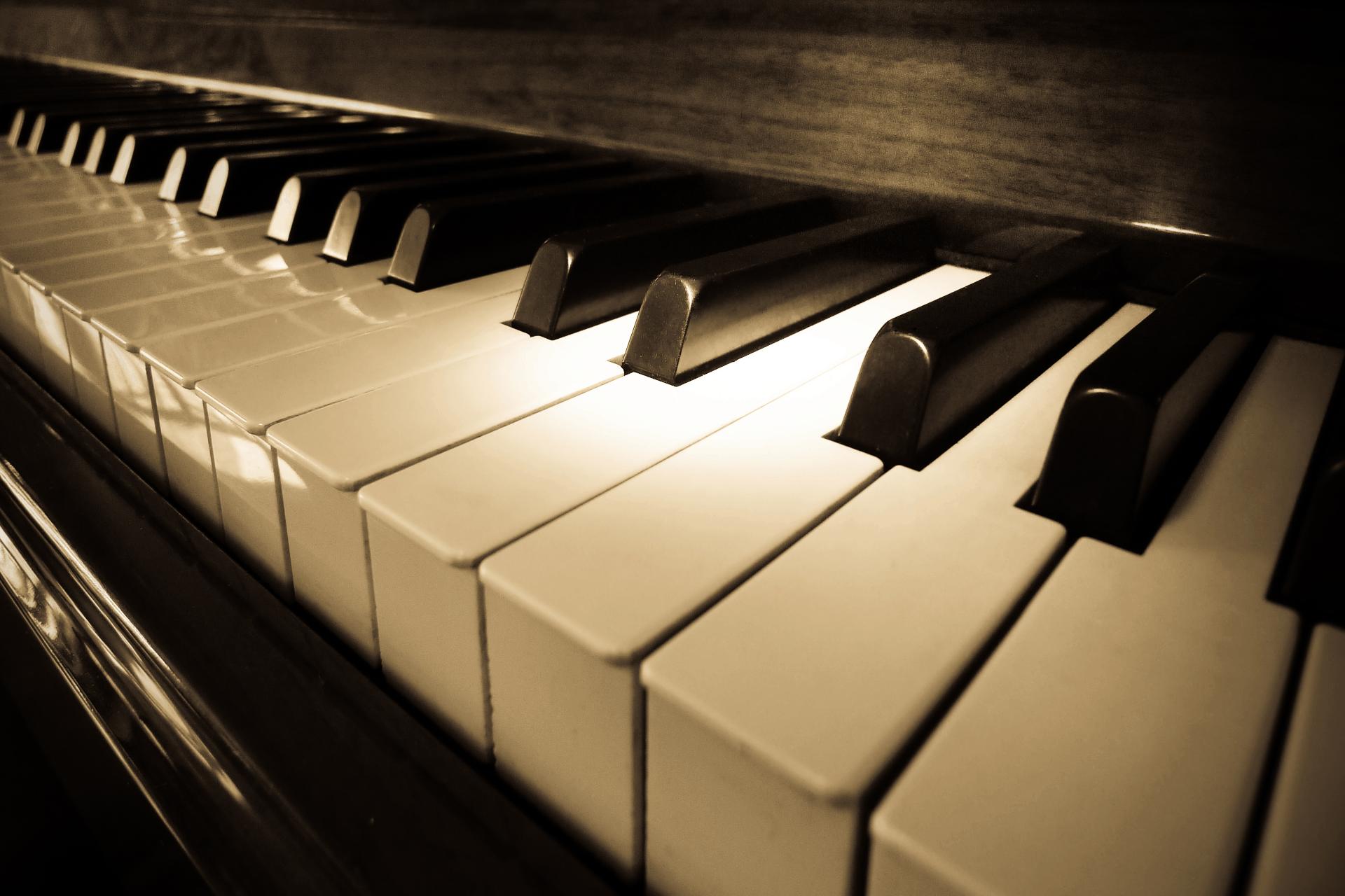 rengjøring av pianotangenter