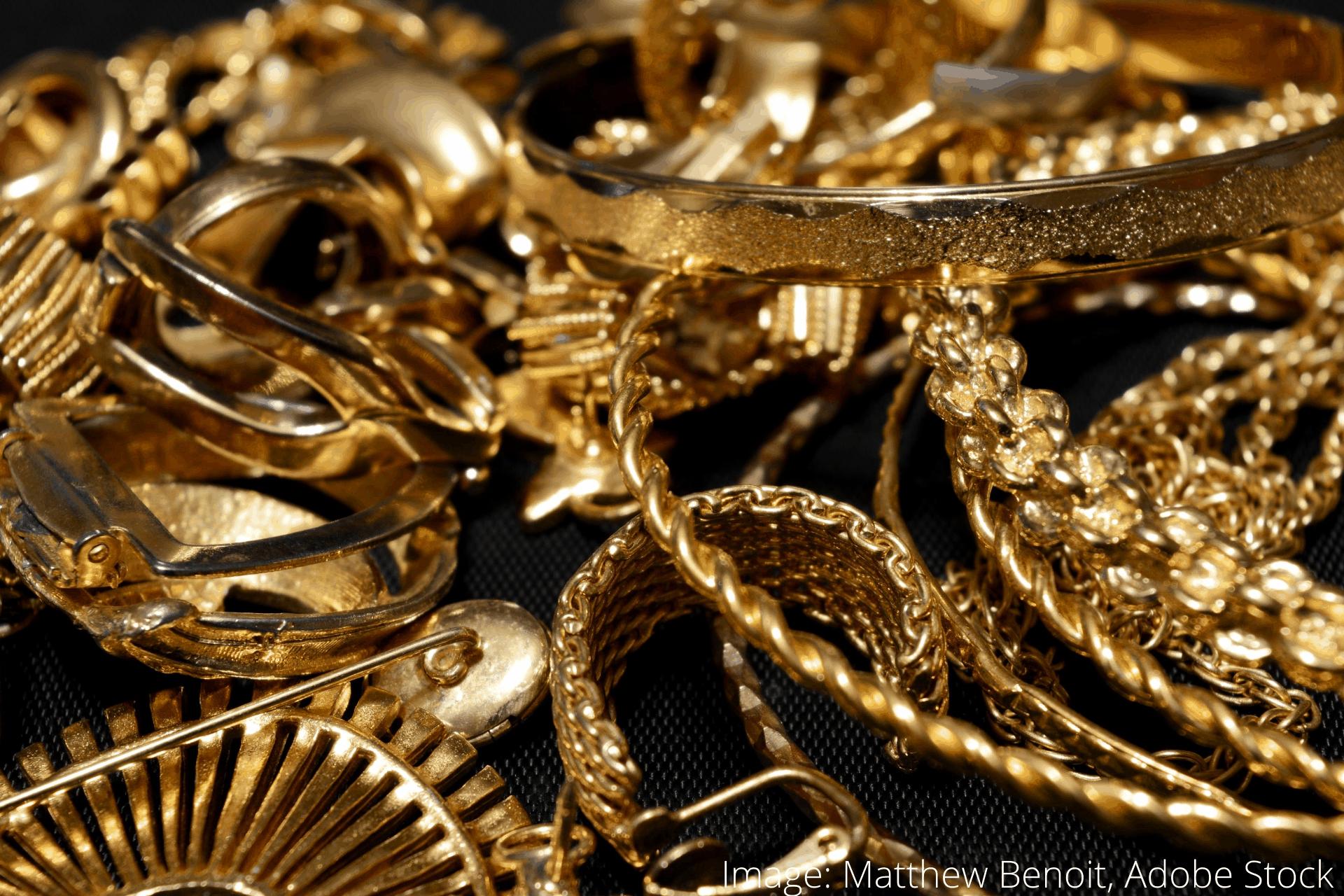 Hvordan polere og beskytte gull